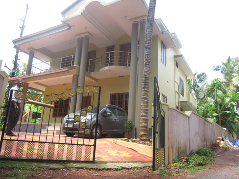 LAND AND HOUSE FOR SALE AT KASARAGOD DIST.