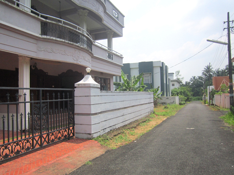 Land and House for sale at Thrissur town