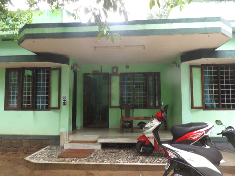 LAND AND HOUSE FOR SALE AT ERNAKULAM DIST  - RealKerala com