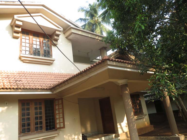 Double storied house for sale at Punkunnam