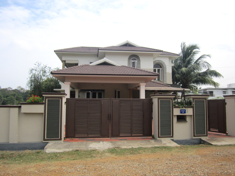 LAND AND HOUSE FOR SALE AT PALAKKAD