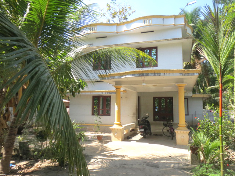 LAND AND HOUSE FOR SALE AT KARUNAGAPALLY