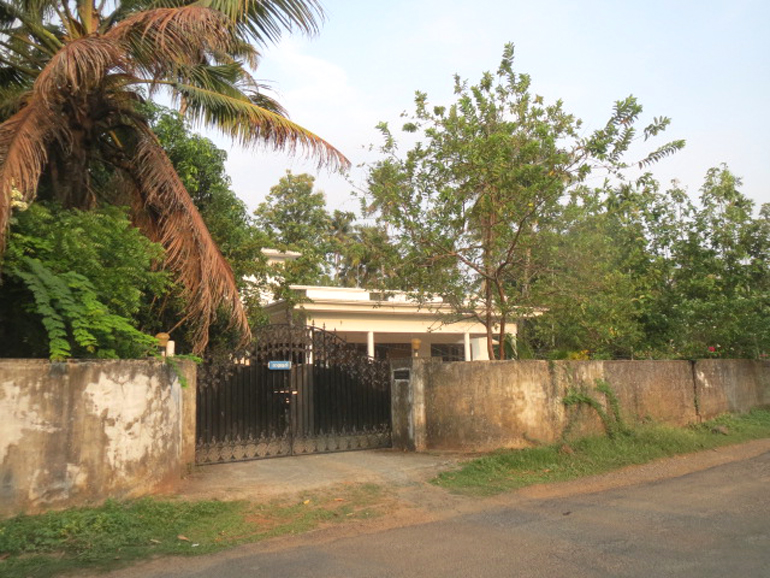 Land and house for sale at Chalakudy