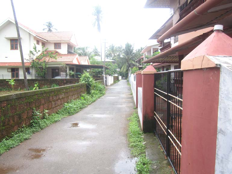 LAND AND HOUSE FOR SALE AT KANNUR DIST.