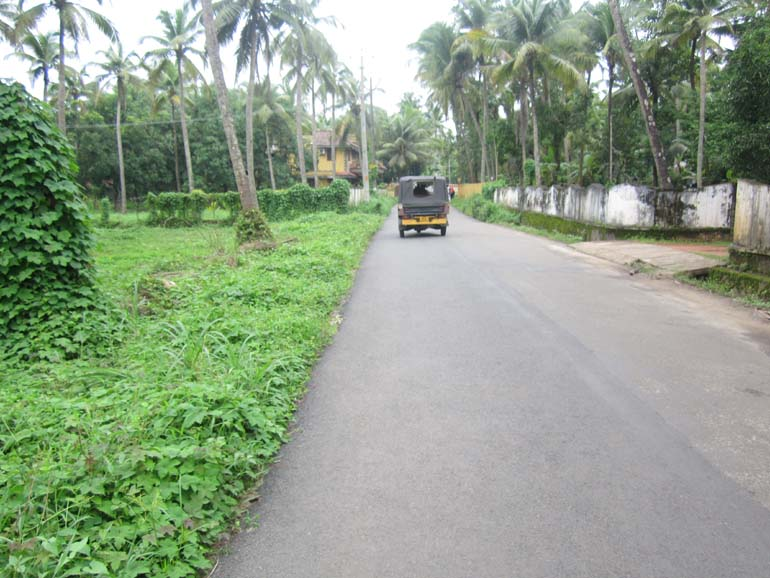 LAND FOR SALE AT CHAVAKAD, THRISSUR.