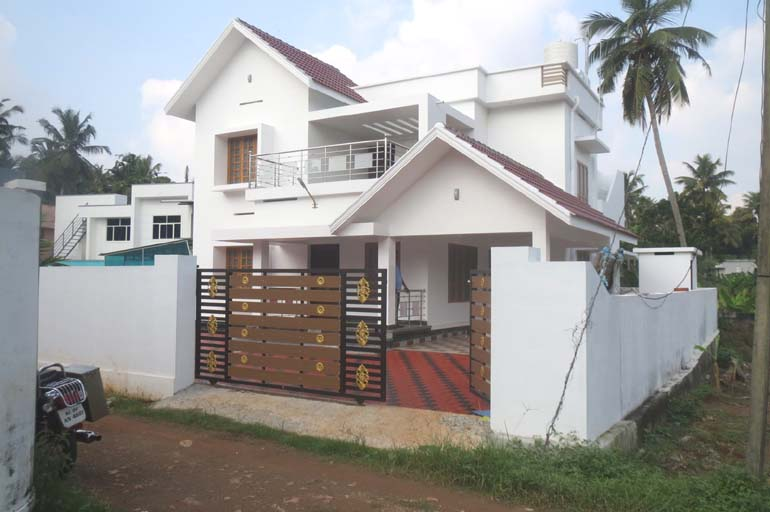 NEWLY CONSTRUCTED VILLA FOR SALE AT KOLLAM DIST.