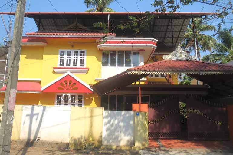 LAND AND HOUSE FOR SALE AT KODUNGALLUR, THRISSUR - RealKerala com