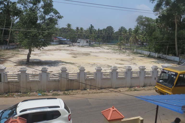 LAND FOR SALE IN KOLLAM OCHIRA