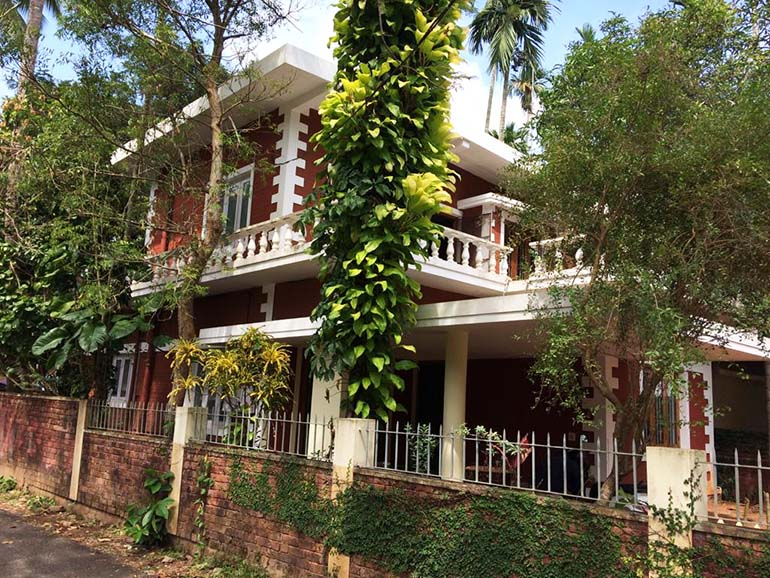 LAND AND HOUSE FOR SALE AT CALICUT DIST.