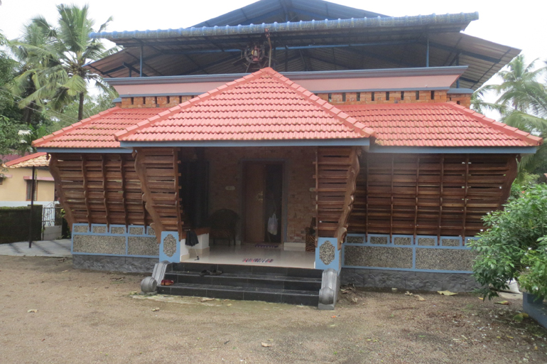 LAND AND HOUSE FOR SALE AT ALAPPUZHA