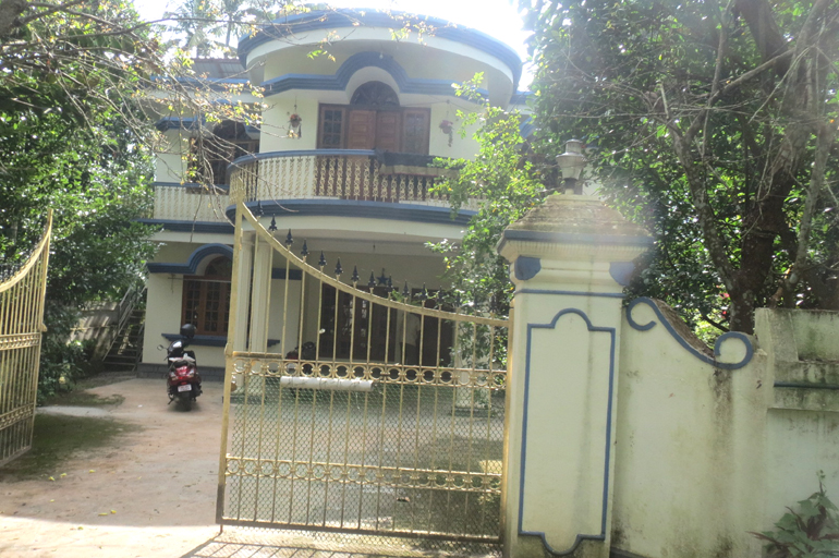 Land and House for sale at Vendore, Thrissur Dist.